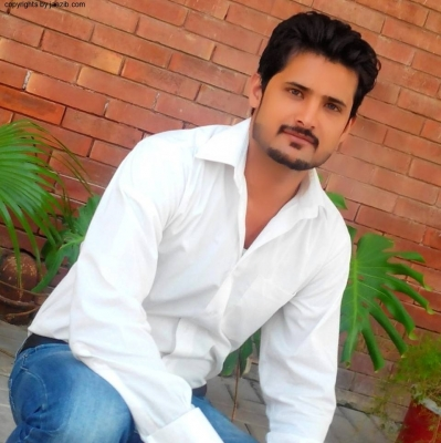 Sharim Malik is Single from Pakistan who is looking for